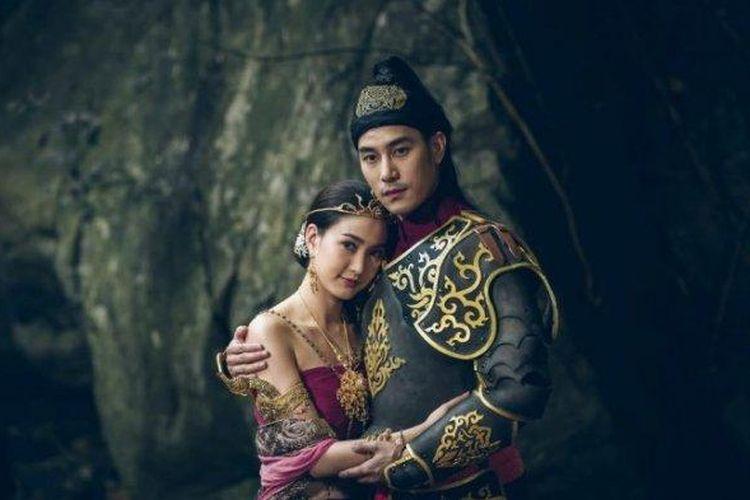 Poster film Nakee 2 yang merupakan film box office nomor 1 di Thailand.