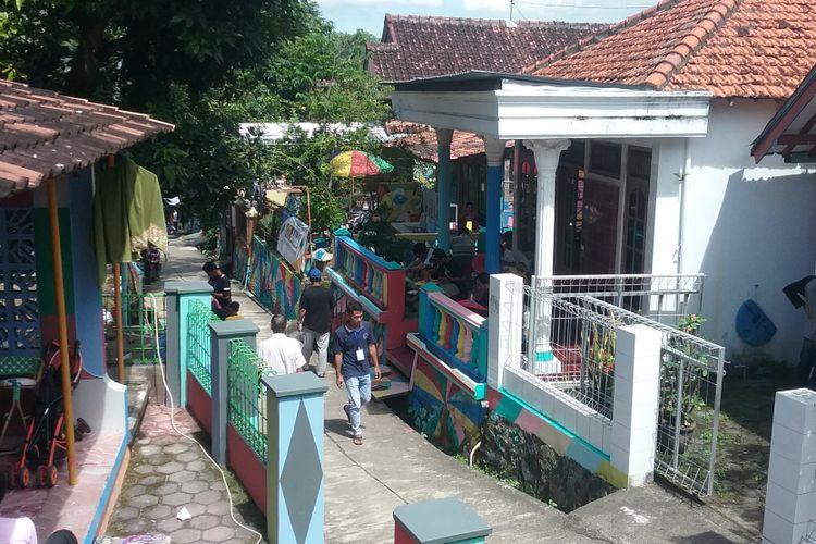 Kampung Ragam Warna di Desa Kutoharjo Kaliwungu Kendal. Kompas.Com/ Slamet Priyatin