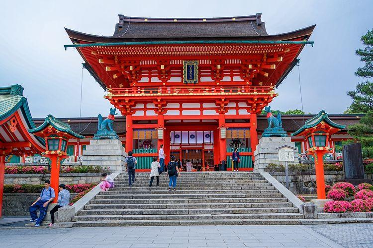 fushimi inari-taisha shrine, kyoto, jepang