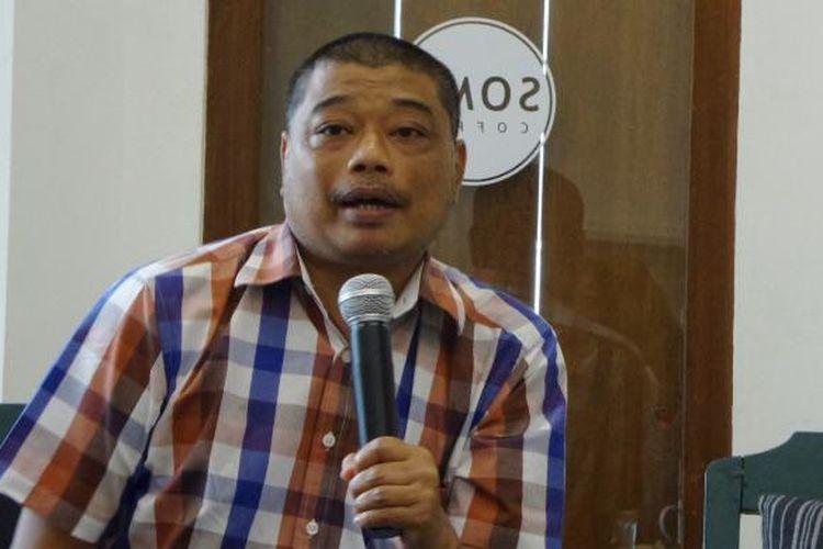 Rohaniwan sekaligus Pengamat Sosial Romo Benny Susetyo dalam acara diskusi di bilangan Cikini, Jakarta, Inggu (29/5/2016)