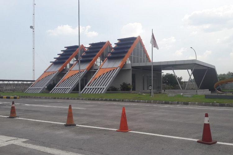Gerbang Tol Jombang-Mojokerto.