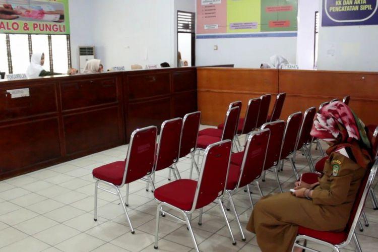 Pelayanan di Dinas Kependudukan dan Catatan Sipil Kota Palopo sepi, meski server S sudah diaktifkan, Kamis (2/8/2018)