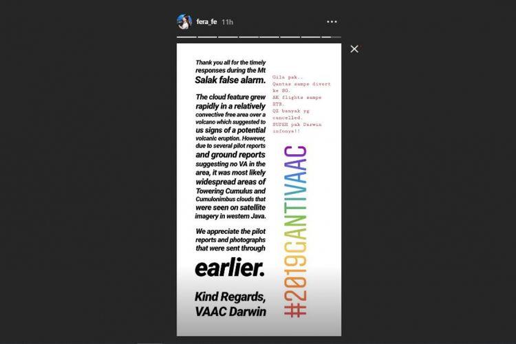 Unggahan Instagram Story seorang penerbang tentang adanya perubahan penerbangan akibat info Gunung Salak meletus.