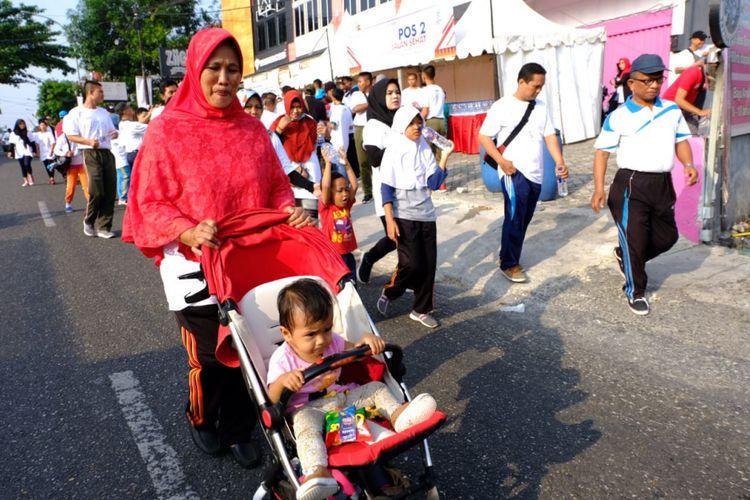 PT Perusahaan Gas Negara Tbk (PGN) menjalankan program Badan Usaha Milik Negara (BUMN) Hadir Untuk Negeri dengan menggelar kegiatan Jalan Sehat dan Bersih Lingkungan, di Kota Pekanbaru, Riau, Minggu (12/8/2018).