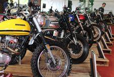 Ratusan Motor 'Kustom' Mejeng di Lapangan Terbang Pondok Cabe