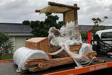 Replika Mobil Flintstone Jadi Hadiah untuk Sultan Johor