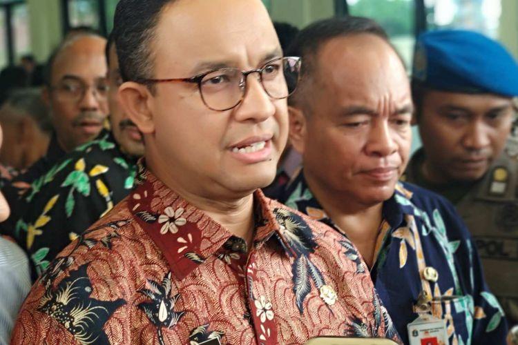 Gubernur DKI Jakarta Anies Baswedan di Kantor Lurah Cipinang Besar Selatan, Kamis (11/4/2018).