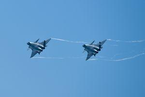 China Unjuk Kemampuan Jet Siluman J-20 Miliknya