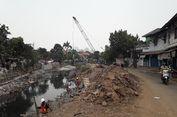Dampak Penutupan Jalan Palmerah 1 Depan SMP 101 Jakarta karena Normalisasi Kali Grogol...