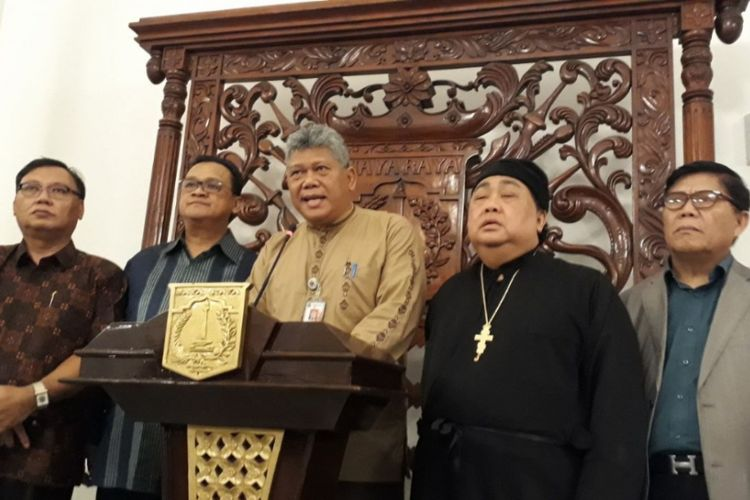 Asisten Pembangunan DKI Jakarta, Gamal Sinurat bersama pimpinan umat Kristen DKI Jakarta di Balai Kota DKI Jakarta, Jumat (12/1/2018).