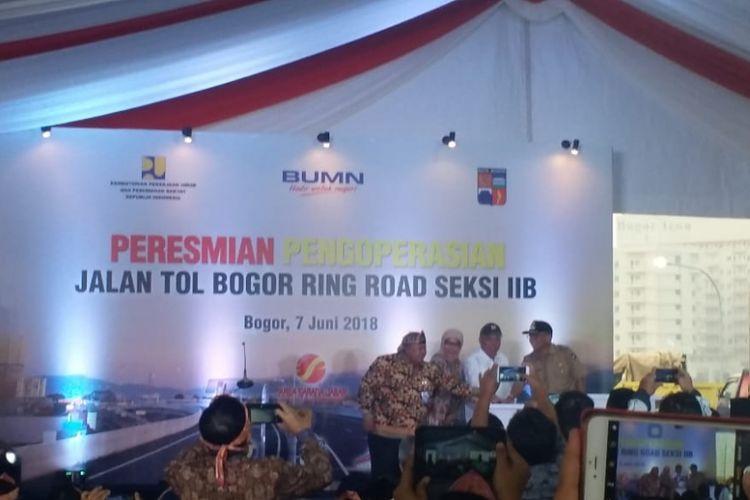 Peresmian beroperasinya Bogor Ring Road Seksi IIB oleh Menteri PUPR Basuki Hadimuljono (kedua dari kanan) pada Kamis (7/6/2018).