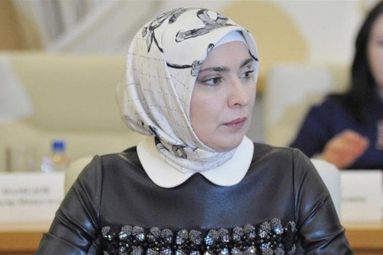 Aina Gamzatova, calon presiden Rusia.