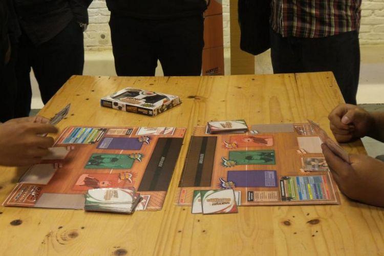Permainan Haikyu!! Volleyball Card Game. Permainan ini mengajak dua pemain membuat berbagai strategi dan sinergi untuk mencapai kemenangan.