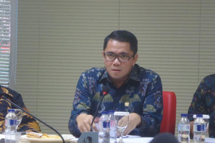 Anggota DPR RI dari Fraksi PDI-P Arteria Dahlan saat menjadi pembicara dalam diskusi Respublica Political Institute bertajuk Perppu Ormas dan Ancaman Radikalisme di Megawati Institute, Jakarta Pusat, Selasa (17/10/2017).