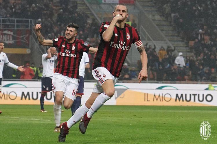 Leonardo Bonucci merayakan gol AC Milan ke gawang Crotone pada pertandingan Serie A di San Siro, Sabtu (6/1/2018).
