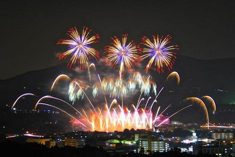 Festival Kembang Api Noryo Tamana