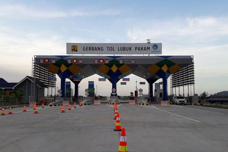 Gerbang Tol Lubuk Pakam, bagian dari Jalan Tol Medan-Kualanamu-Tebing Tinggi sepanjang 61 kilometer.