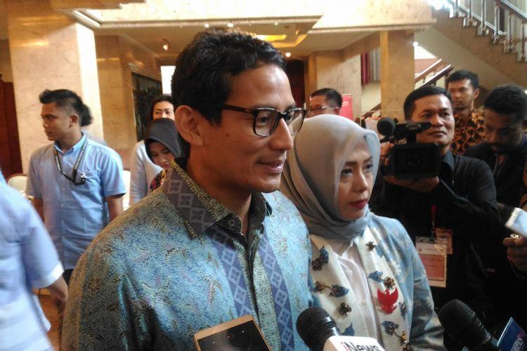 Calon wakil presiden nomor urut 02 Sandiaga Salahuddin Uno usai memberikan orasi ilmiah di Balai Sudirman, Jakarta, Kamis (22/11/2018).