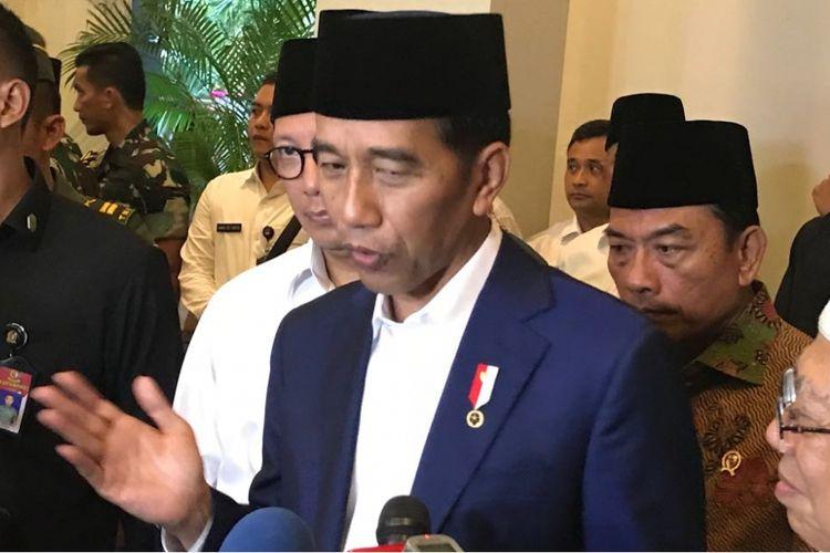 Presiden Joko Widodo saat berada di Asrama Haji Pondok Gede Jakarta Timur, Rabu (21/2/2018).