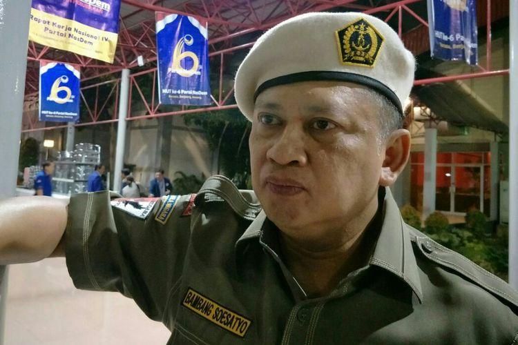 Ketua Komisi III DPR Bambang Soesatyomengaku prihatin lantaran penyidik Komisi Pemberantasan Korupsi (KPK) mendatangi kediaman Ketua DPR RI, Setya Novanto ketika ditemui di JI-EXPO Kemayoran, Jakarta Pusat, Rabu, (15/11/2017).