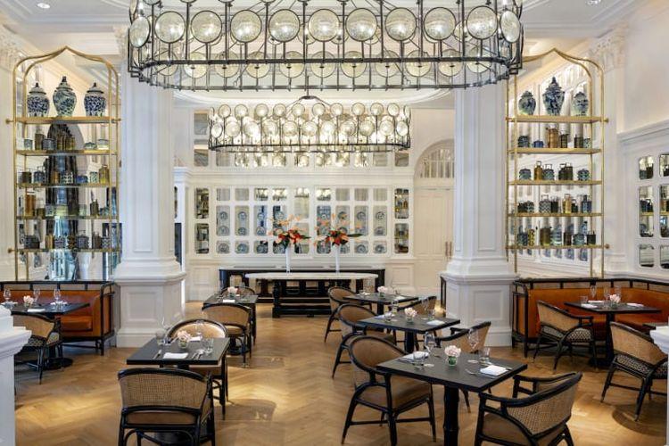 Ruang Tiffin, restoran utama dalam Raffles Hotel