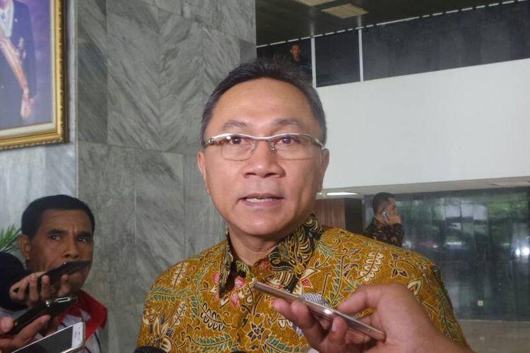 Ketua MPR RI Zulkifli Hasan di Kompleks Parlemen, Senayan, Jakarta, Selasa (9/5/2017).