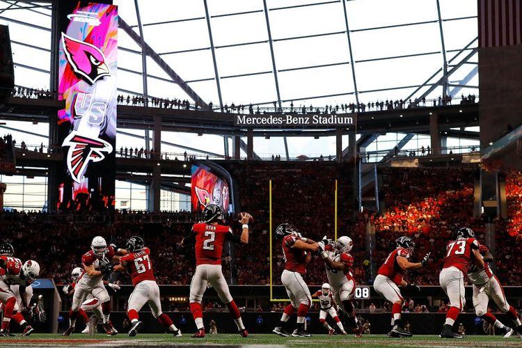 Pertandingan rugbi klub Atlanta Falcons di Stadion Mercedes-Benz, Atlanta, Amerika Serikat.