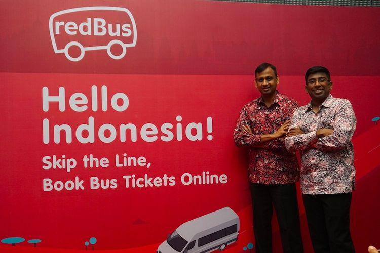 Prakash Sangam - CEO redBus dan Danan Christadoss - Country Head redBus Indonesia pada Peluncuran Aplikasi redBus, Platform Pemesanan Tiket Bus & Shuttle Online Terbesar di Dunia. Hingga kini redBus telah menghubungkan lebih dari 150 kota dan melayani lebih dari 1.400 rute unik di Indonesia