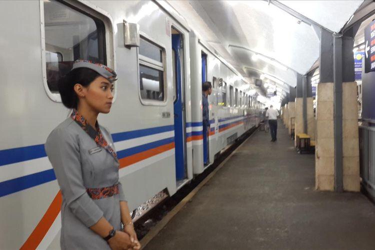 Salah satu rangkaian kereta saat bersiap berangkat di Stasiun Kota Malang, Senin (5/8/2019)