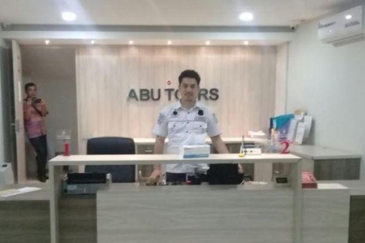 Tim penyidik Subdit II Ditreskrimsus Polda Sulsel, kembali menyita aset milik Abu Tours di Kota Depok, Jawa Barat (Jabar). Aset tersebut berupa satu bangunan kantor Abu Tour di Jl Cinere Raya 102 E, Kota Depok.