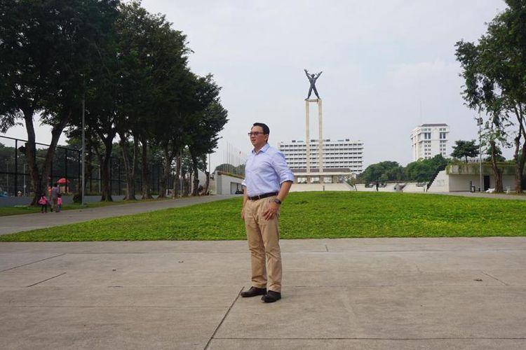 Mantan Gubernur DKI Jakarta Basuki Tjahaja Purnama berkunjung ke Lapangan Banteng, Jakarta Pusat, Jumat (5/7/2019).