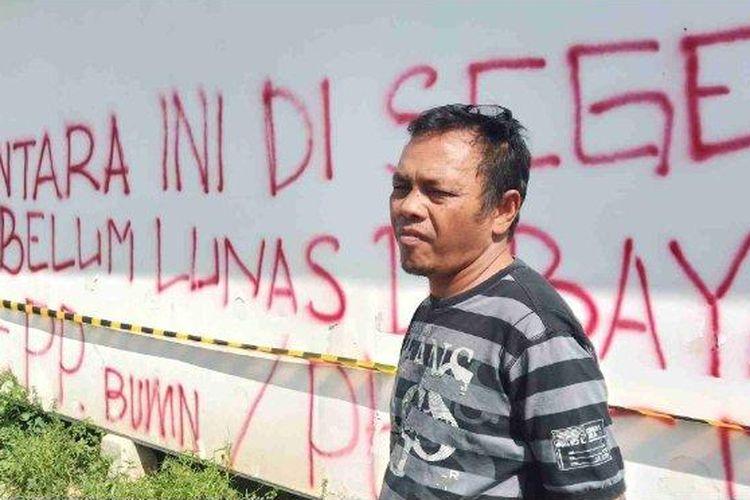 Akibat penyegelan, sebanyak 60 Kepala Keluarga (KK) terancam kehilangan tempat tinggal.