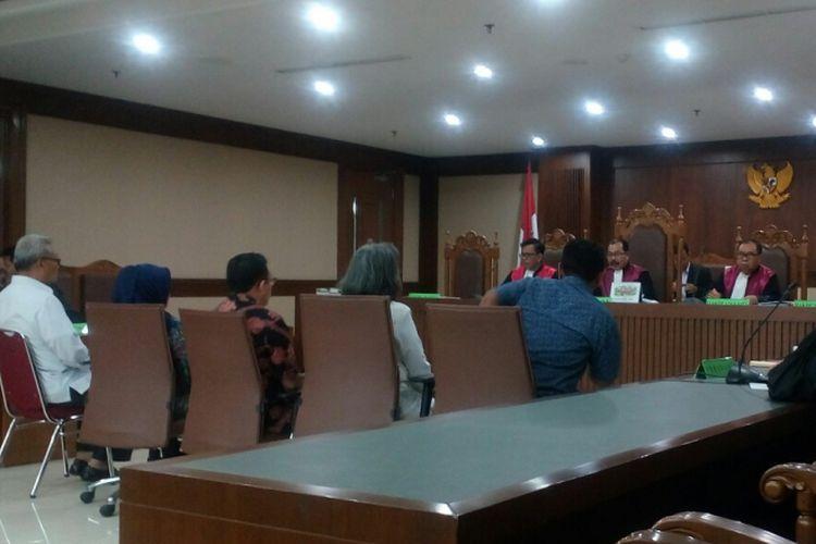 Lima orang saksi memberikan keterangan di sidang kedua kasus dugaan korupsi refungsionalisasi kali di Jakarta Barat di Pengadilan Tipikor Jakarta Pusat, Rabu (9/8/2017).