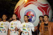 Bola Raksasa Berdiameter 3,5 Meter Diarak Jelang Asian Games