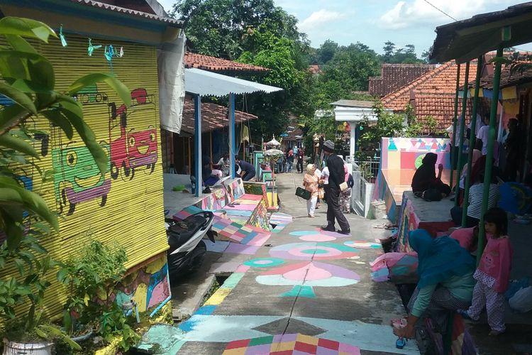 Kampung Ragam Warna desa Kutoharjo Kaliwungu Kendal. Kompas.Com/Slamet Priyatin