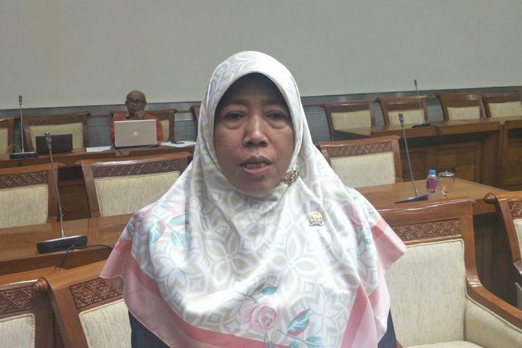 Anggota Komisi VIII DPR dari Fraksi Partai Keadilan Sejahtera (PKS) Ei Nurul Khotimah di Kompleks Parlemen, Senayan Jakarta, Senin (16/4/2018).