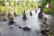 Lihat Batu Bersusun di Sukabumi, Kok Reaksi Masyarakat Begitu Heboh?