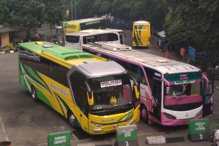Armada bus di terminal Kampung Rambutan, Jumat (8/6/2018)