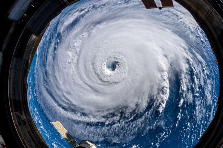 Penampakan Badai Florence yang diambil oleh astronot asal Jerman, Alexander Gerst, dari Stasiun Luar Angkasa Internasional. (Twitter/Alexander Gerst)