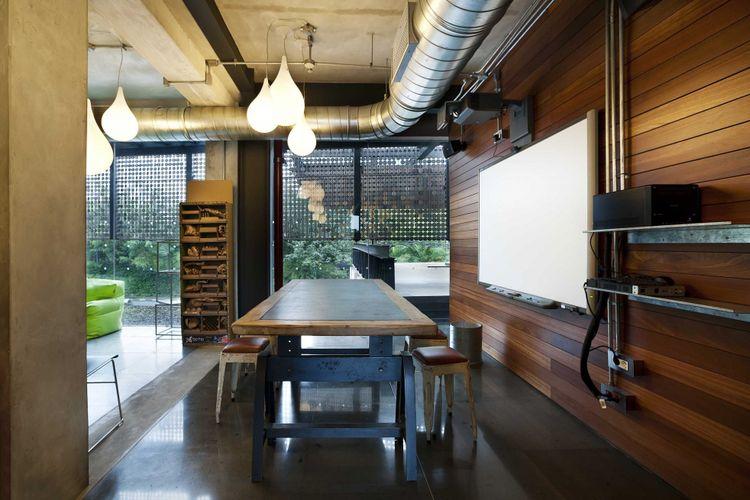 Ampera Six Building karya CHRYSTALLINE artchitect tahun 2012.