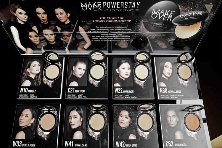 Make Over Power Stay Powder Foundation dengan 8 pilihan warna.
