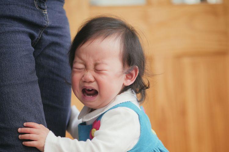 Ilustrasi anak kecil menangis