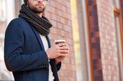 4 Cara Mengikat Syal agar Tampil Keren, Pria Wajib Tahu