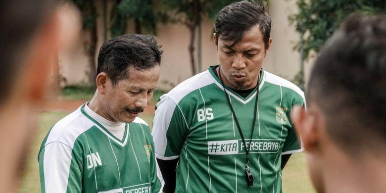 Djadjang Nurdjaman saat memimpin latihan tim persebaya Surabaya, Sabtu (13/4/2019)