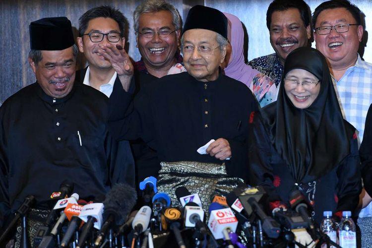 Demi Kurangi Pengeluaran Negara, Mahathir Mohamad Potong Gaji Menteri