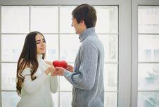 Dilan, Cinta, dan Cara Menemukan Pasangan