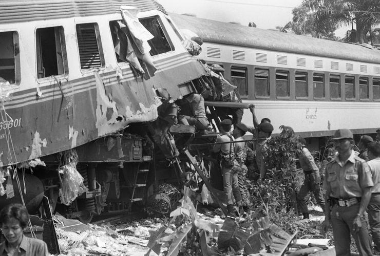Tragedi Bintaro 19 Oktober 1987, Tanah Jakarta Berwarna Merah....