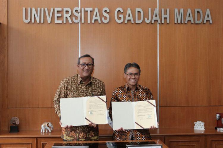 UGM dan PT RNI menjalankan kerjasama dalam penandatanganan nota kesepahaman bersama yang dilakukan Rektor UGM, Prof. Panut Mulyono dan Direktur Utama PT RNI Didik Prasetyo, Selasa (16/4) di Gedung Pusat UGM.