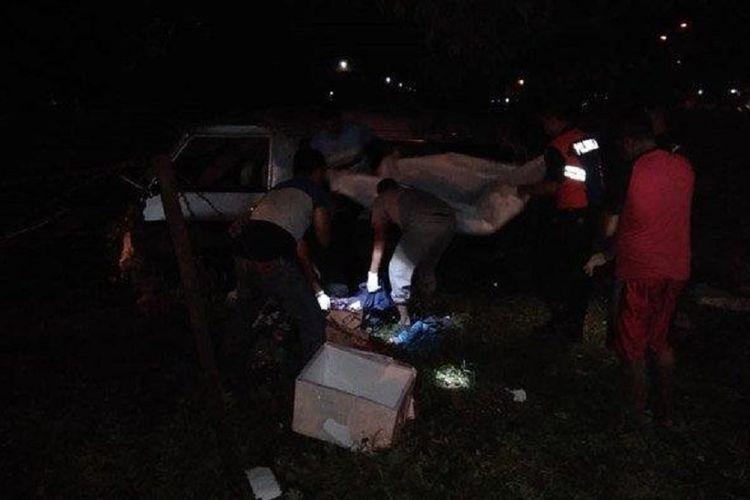 Kereta Api Jaya Baya menyambar sebuah mobil L300 di perlintasan kereta di Pasuruan, Jawa Timur. Lima orang tewas dalam kejadian ini, sedangkan satu orang terluka.