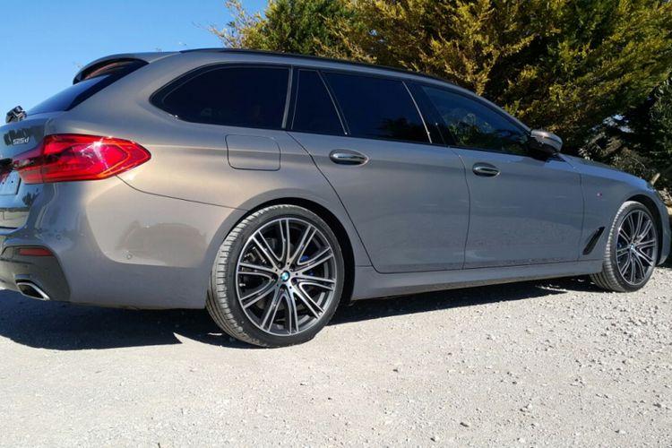 BMW 5 Series Turing punya desain menawan yang sesuai dengan sosok mapan dan eksklusif